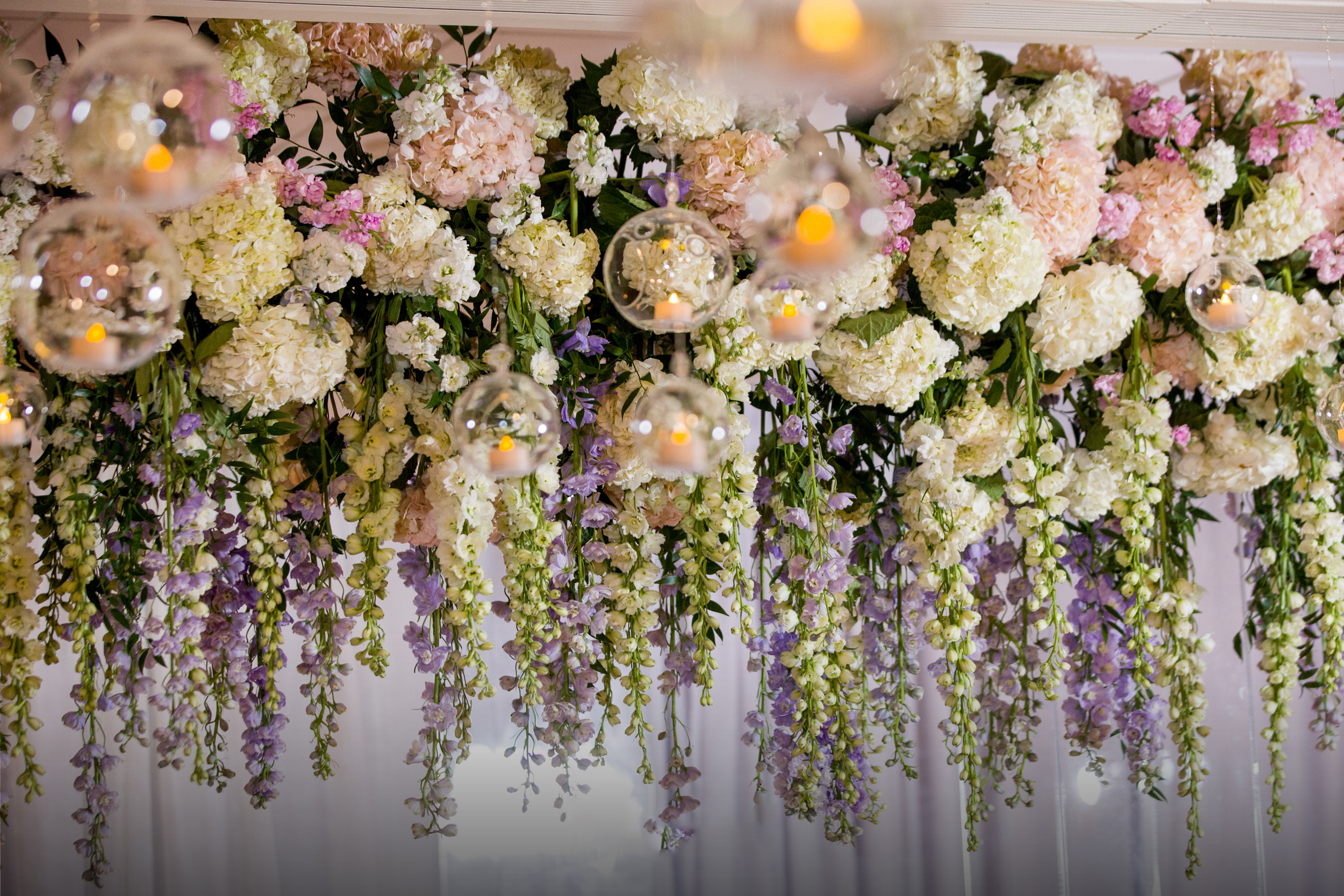 6 Benefits to DIY Wedding Flowers Over Traditional Florists