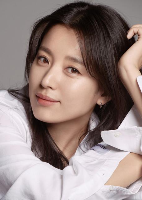 Korean-and-Japanese-female-stars-who-look-alike-2
