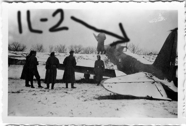 Orig-Foto-Luftwaffe-beute-Flugzeug-IL-2-Bomber-Sowjet