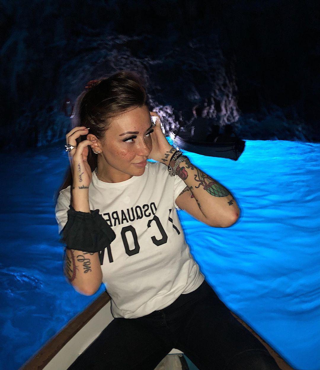 Francesca-Lannuario-Melillo-Wallpapers-Insta-Fit-Bio-12