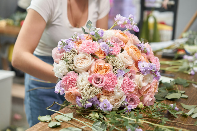 6 Ways to Arrange Flowers in Front of the House to Look Beautiful and Charming