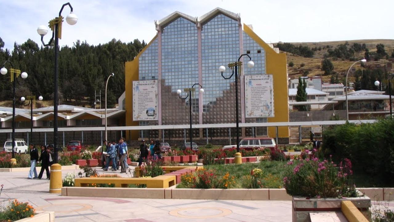 Cinco escuelas de ingeniería podrían desaparecer en la Universidad del Altiplano