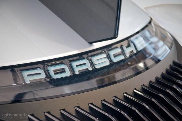 [Actualité] Porsche  - Page 9 024-DE6-AA-94-E5-4-E5-C-BB0-E-31-A19-C3-BA523