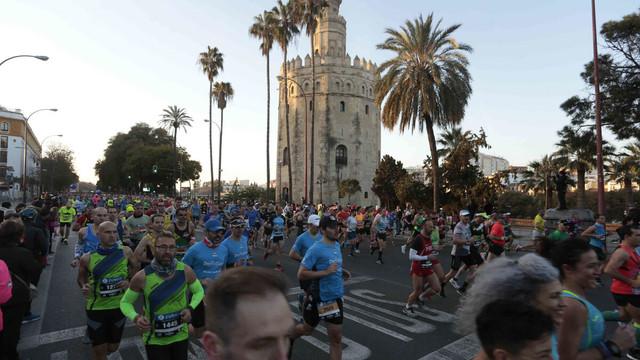 maraton-sevilla-torre-del-oro-sevilla-travelmarathon-es