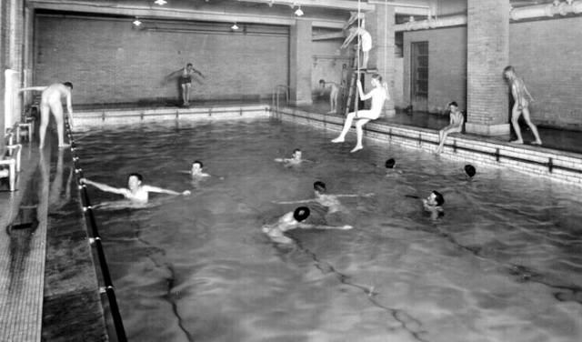 Nude-Swimming.jpg