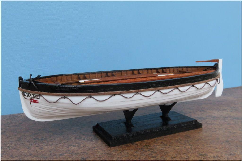 Canot de sauvetage du TITANIC Maquette Artesania Latina au 1/35eme  Canot-Titanic-13