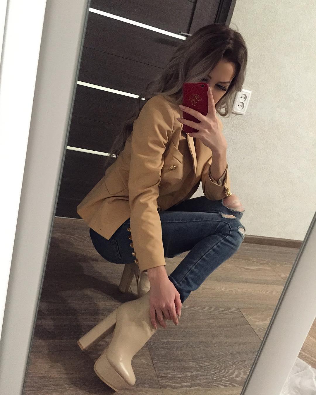 Katy-golden-Wallpapers-Insta-Fit-Bio-9