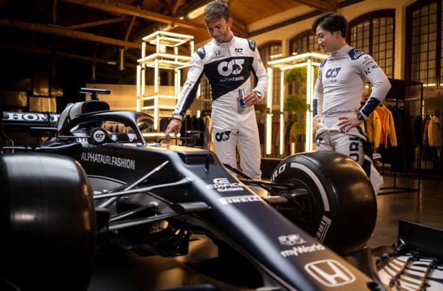 F1 2021 : La Scuderia AlphaTauri a présenté sa nouvelle Formule 1, baptisée AT02 2021-launch-gallery4-scuderia-alphatauri