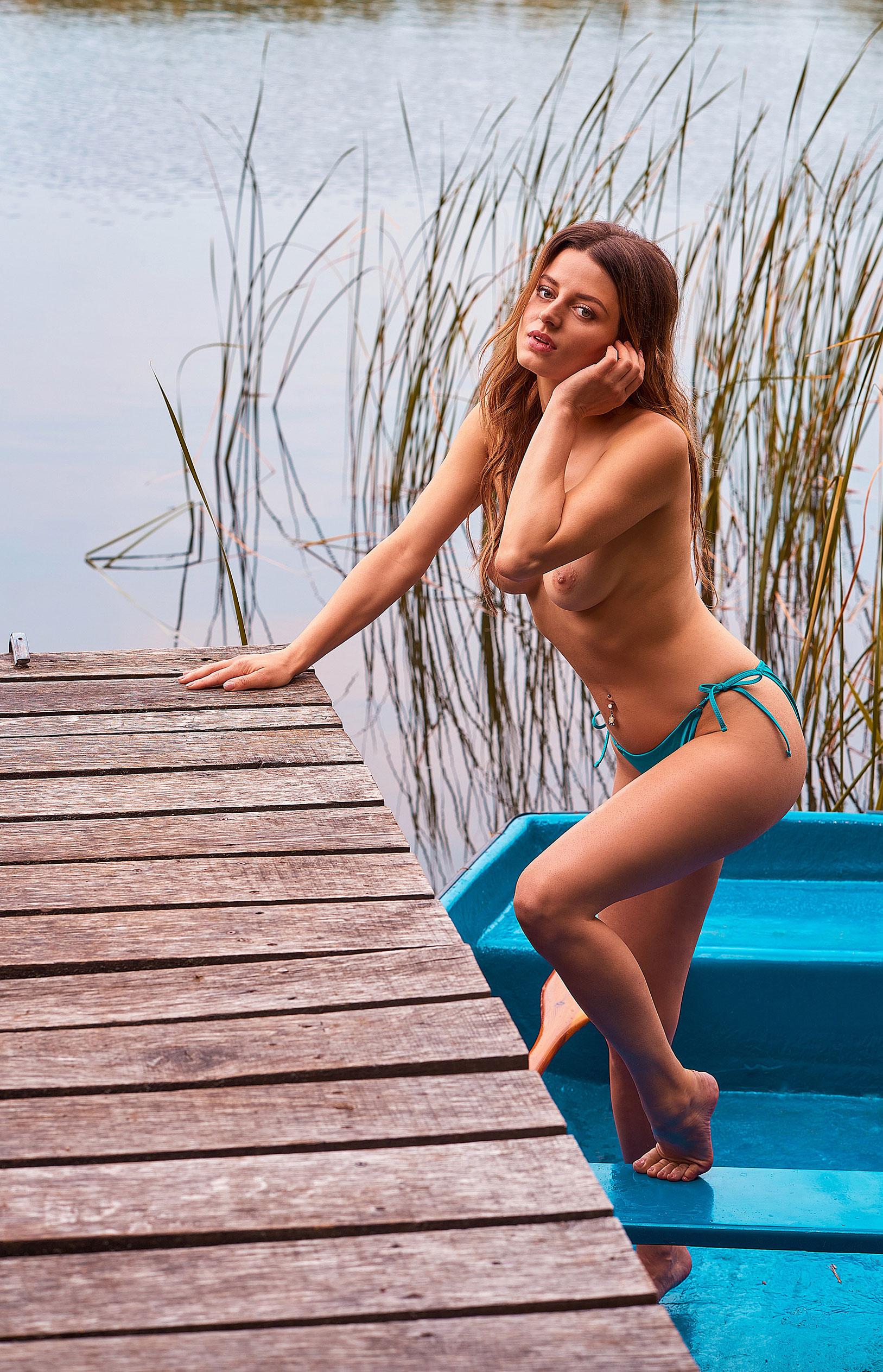 голая медсестра / Девушка месяца немецкого Playboy в июне 2020-го - Джини Валдхейм / фото 06