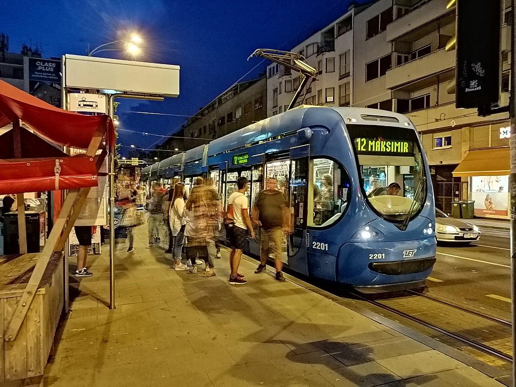 2201-na-1202-Kvaternikov-trg.jpg