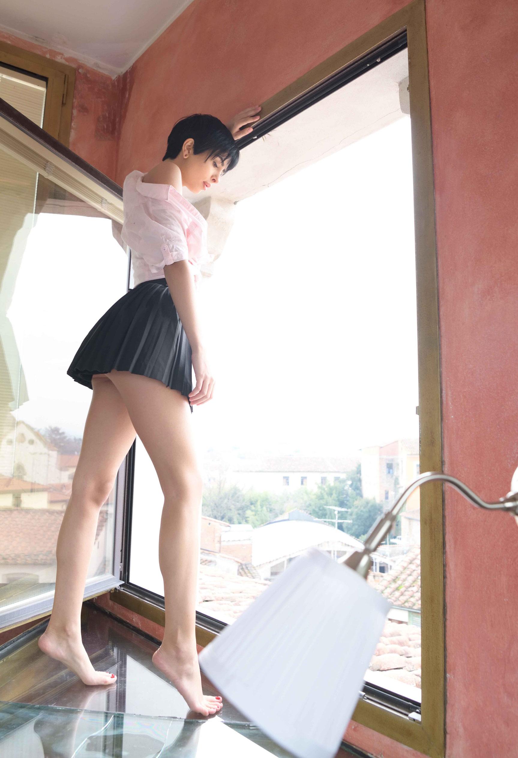 голая Таня у окна / фото 02