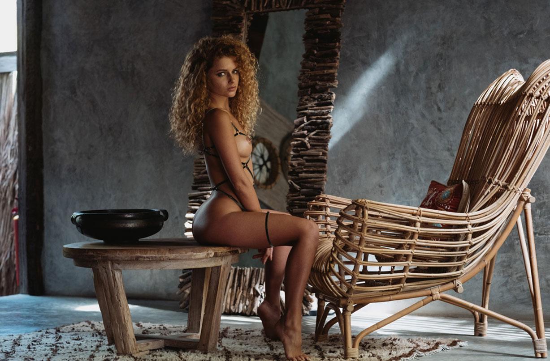 Юлия Ярошенко в сексуальном нижнем белье / фото 01