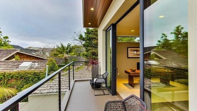 8 Minimalist Balcony Design Ideas