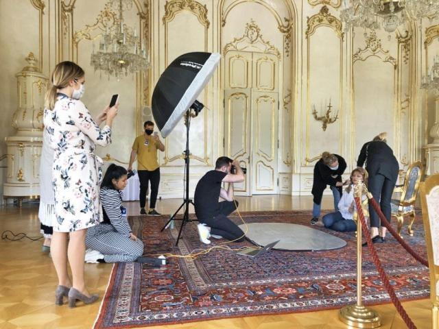 Príprava na natáčanie porna v prezidentskom paláci