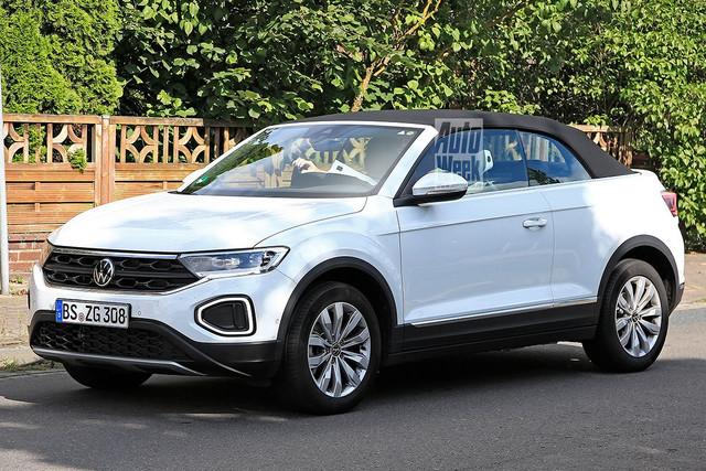 2022 - [Volkswagen] T-Roc restylé  7-E76725-A-707-A-4-F72-8946-F505-A2-D68597