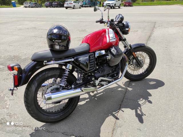 Moto-Guzzi-V7-II-2016