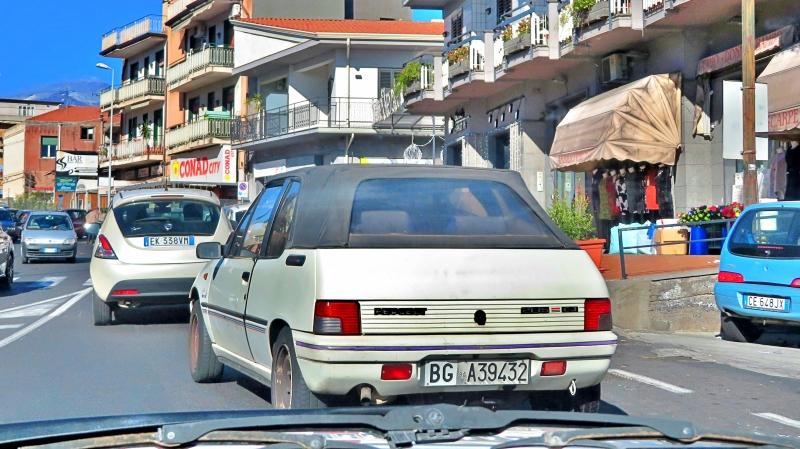avvistamenti auto storiche - Pagina 2 Peugeot-205-Cabriolet-CJ-1-1-54cv-90-BGA39432-262-410-20-2-2019-2