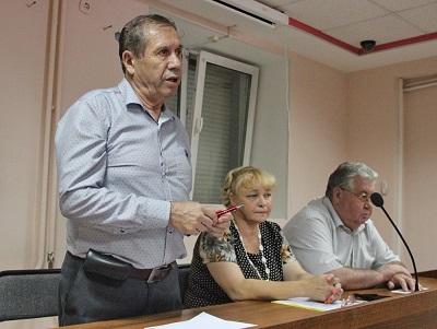 Депутаты Заксобрания ЕАО от КПРФ встретились с жителями Биробиджана