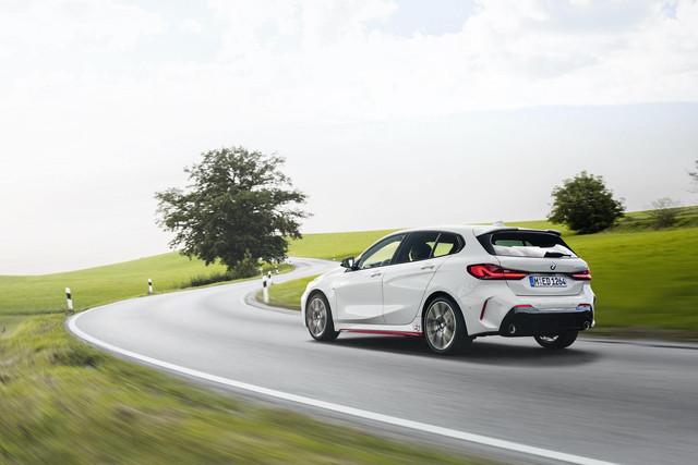 2018 - [BMW] Série 1 III [F40-F41] - Page 31 C678-D5-DC-688-E-4-F20-84-FB-DA79749749-FF