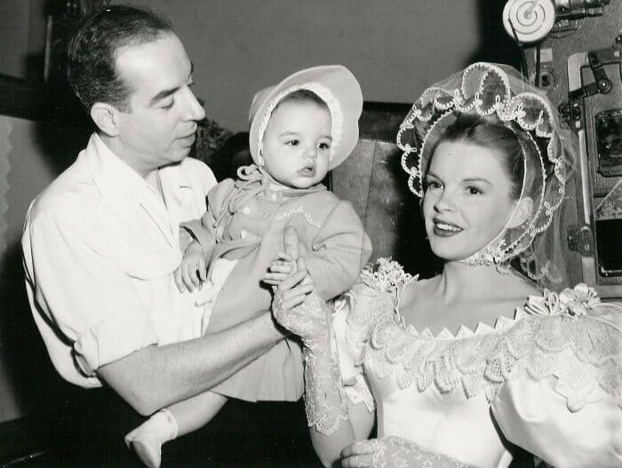 Лайза Миннелли с родителями | Фото: cinemoda.ru