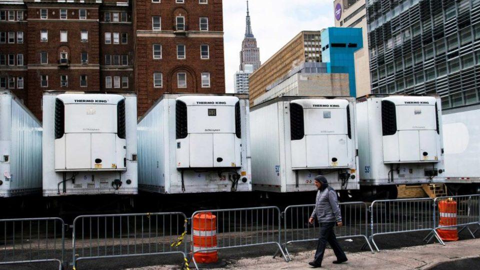 فيلم رويترز عن وباء كورونا في امريكا يصدم ترامب
