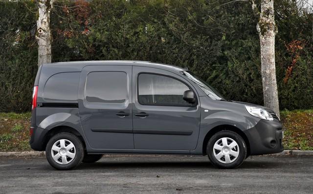 Série limitée Made in France pour les fourgons Nissan NV250, NV300 et NV400  NISSAN-NV-250-07-source