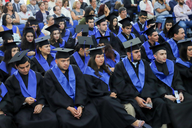 Graduacio-n-Cuatrimestral-37