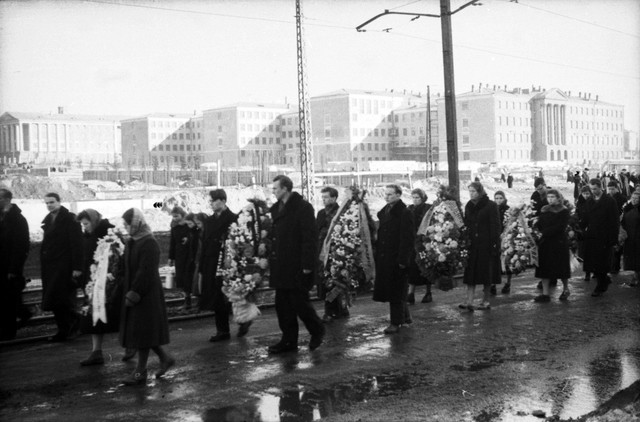 Dyatlov pass funerals 9 march 1959 11.jpg