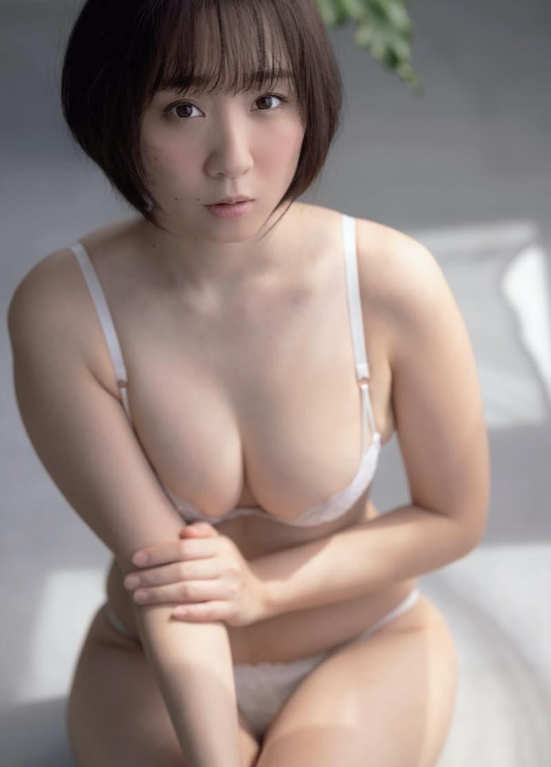Iori-Moe-Moist-Touch-007