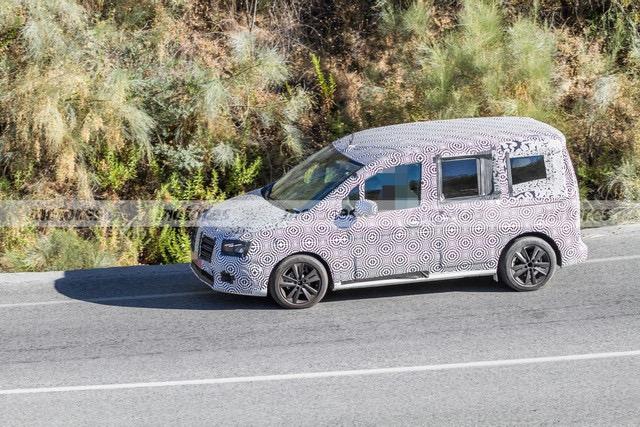 2020 - [Renault] Kangoo III - Page 15 D27950-CA-2-F4-D-473-C-8-FBE-E8-BE59-CD7-F24