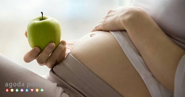 Konsumsi 5 Buah Ini untuk Menghindari Pendarahan di Awal Kehamilan