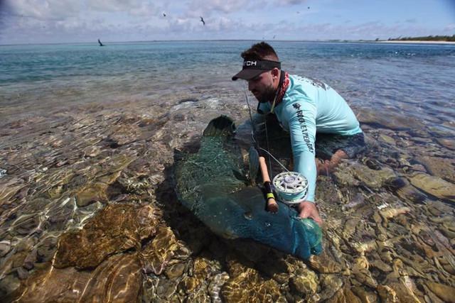 kanton-atoll-gt-giant-trevally-fly-fishing-kiribati-57