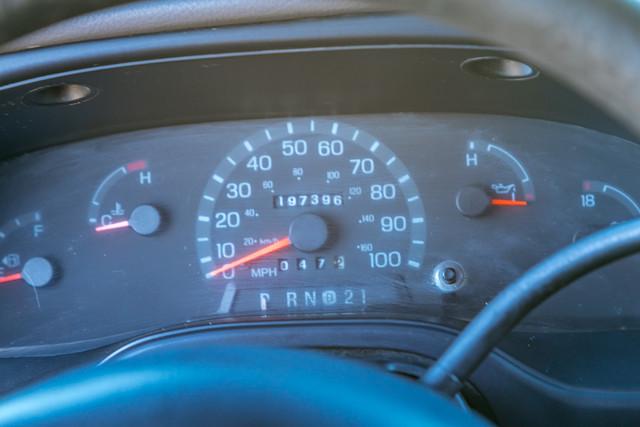 2002-Ford-E350-18