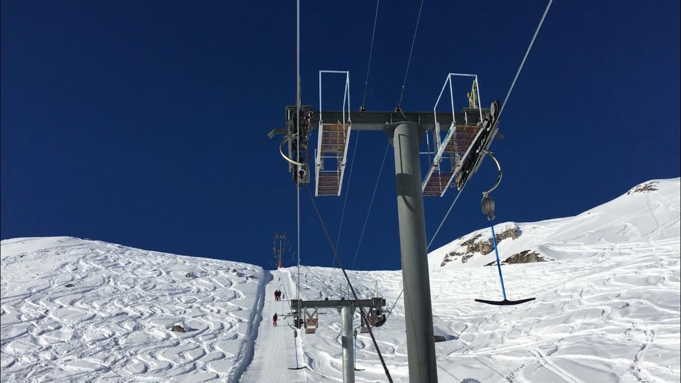 Téléski à enrouleurs biplaces (TKE2) Le Mont-Rouge IMG-3297