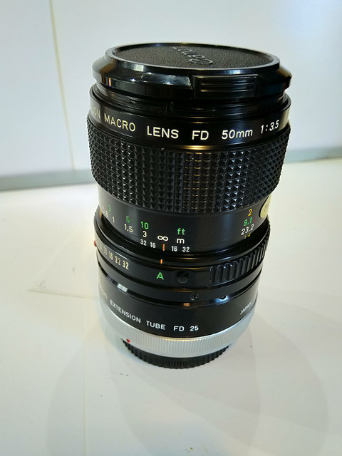 Canon-Macro-lens-FD-50mm-1-3-5