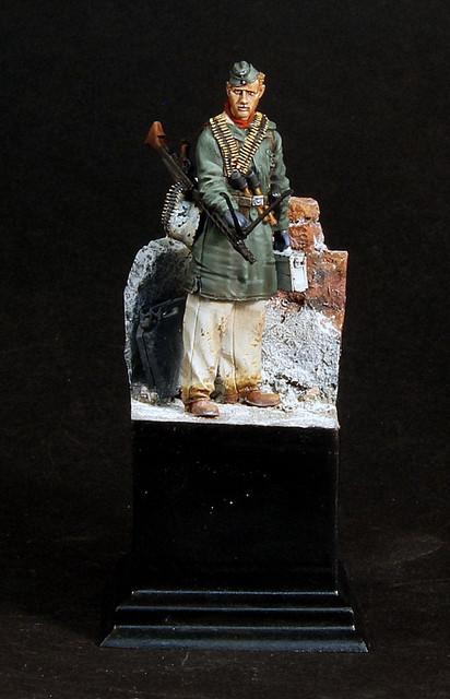 Le soldat oublié. (Fig Panzer Art 1/35) TERMINE IMG-3397