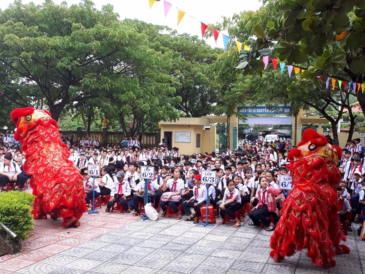 Vui tết trung thu, thắp sáng ước mơ thiếu nhi Việt Nam 2019