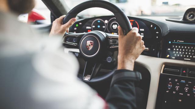2019 - [Porsche] Taycan [J1] - Page 18 31-FC7-AE1-D0-F8-4-DD5-AE6-F-5-B15-AD6-C3-B11