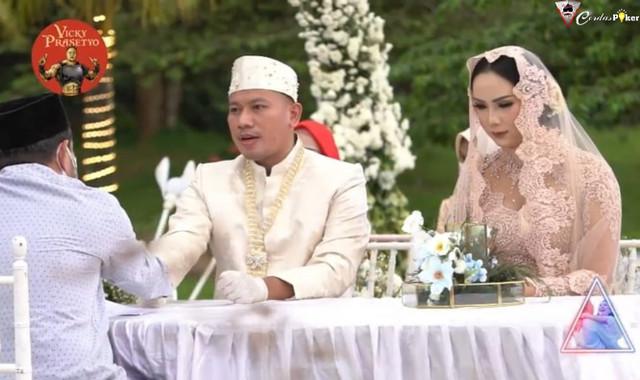Vicky Prasetyo dan Kalina Ocktaranny Resmi Jadi Suami-Istri