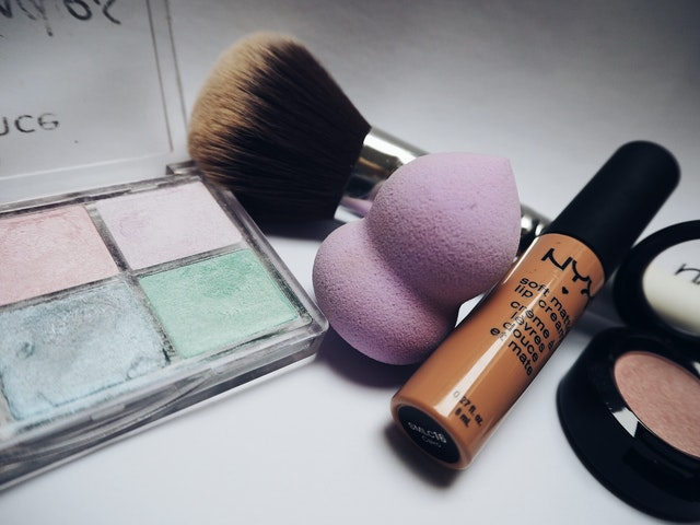 https://i.ibb.co/5r7J1Sq/cosmetic-manufacturer-in-china.jpg