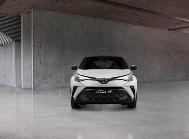 2016 - [Toyota] C-HR - Page 11 D44-A7482-0895-46-B5-8-CC4-7-A2-A9856-C2-FF