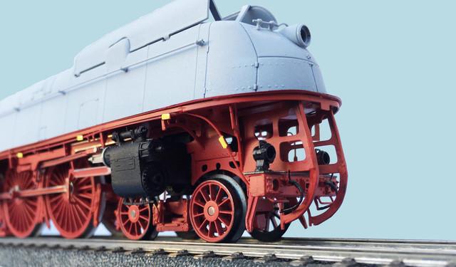 Adler-Modellbau-BR-05-teilentstromt-2