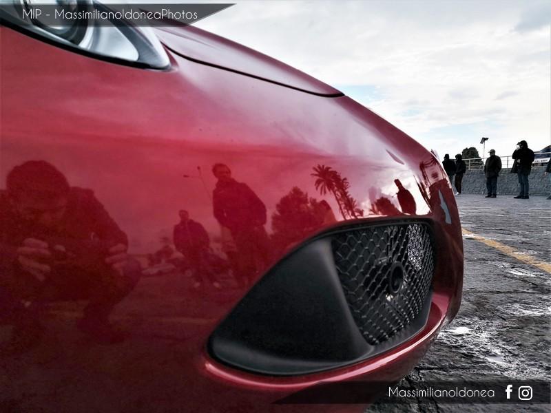 Avvistamenti auto rare non ancora d'epoca - Pagina 19 Alfa-Romeo-4-C-TBi-1750-241cv-16-FD248-YK-8