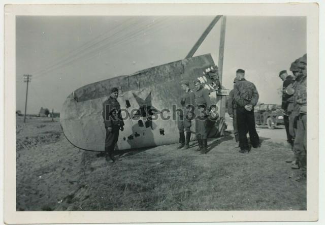 Foto-russisches-Flugzeug-Wrack-Panzerm-nner-Grenadiere-Ersentarn