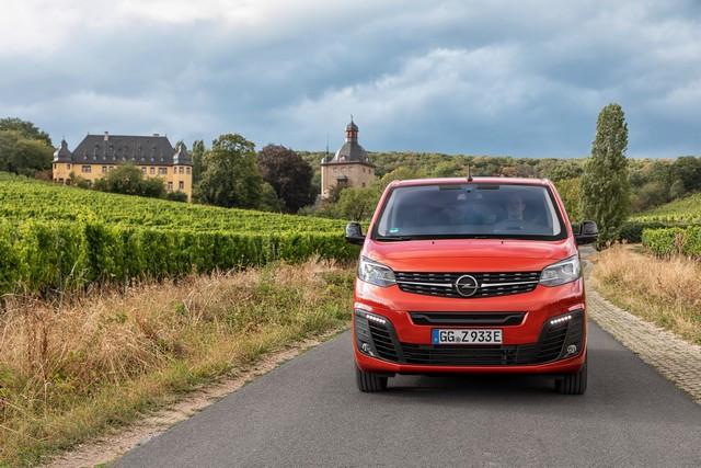 De l'électricité dans l'air : l'Opel Zafira-e Life tout électrique en vente à partir de 51 500 euros bonus environnemental déduit Opel-Zafira-e-512823