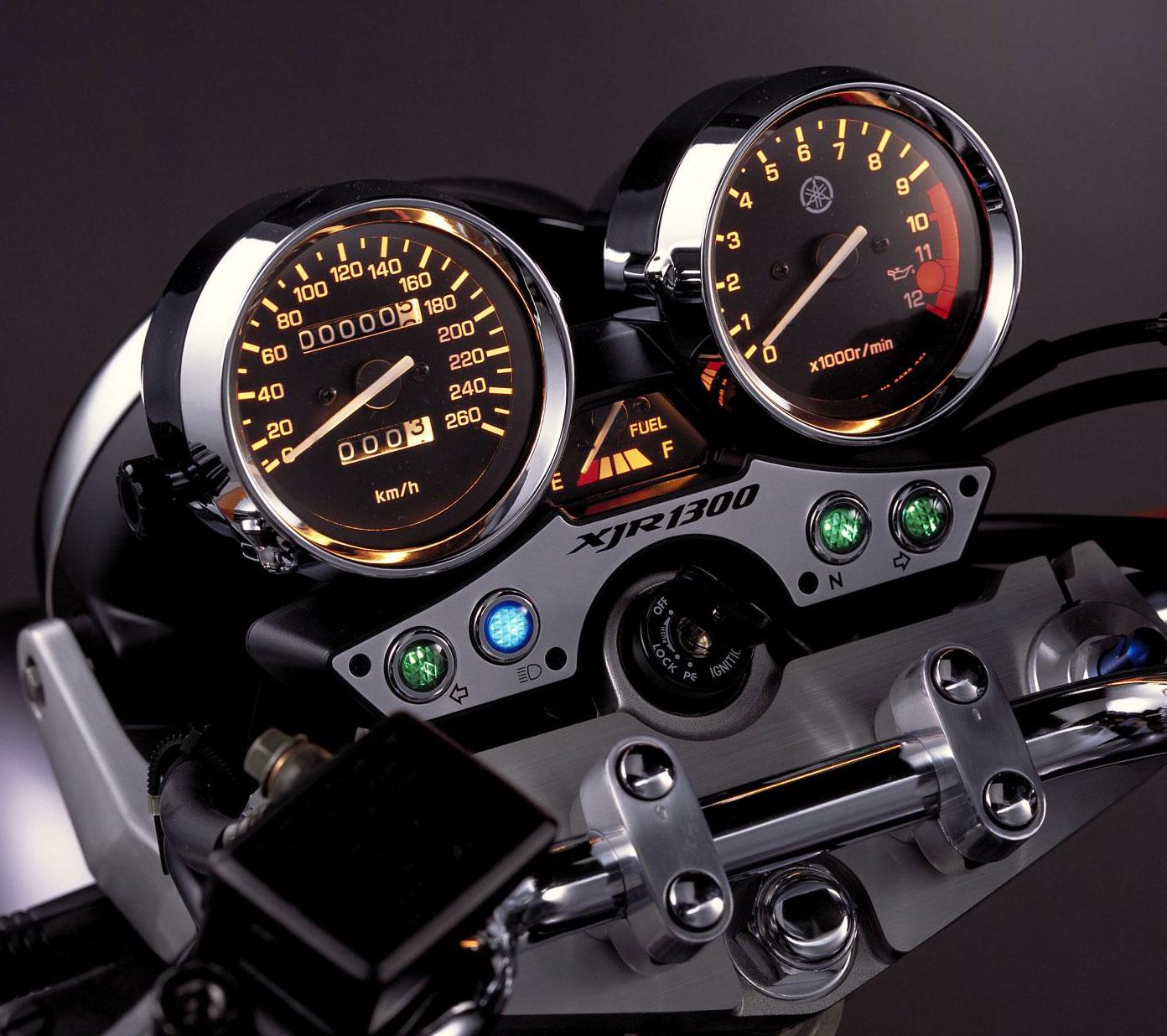 2002-Yamaha-XJR1300z.jpg