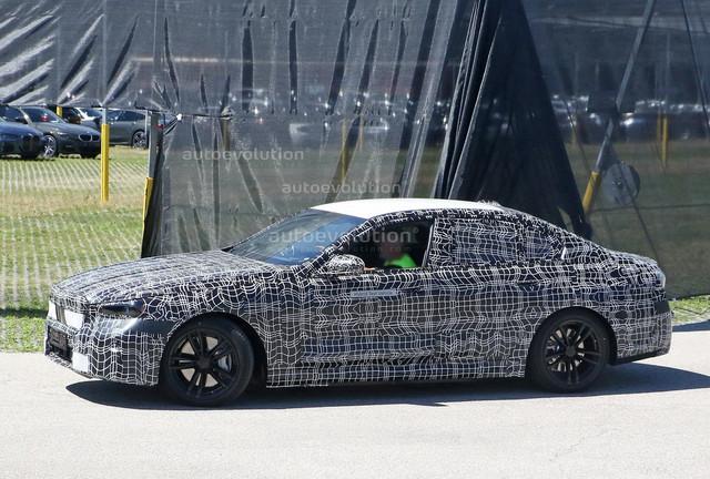 2023 - [BMW] Série 5 / M5 [G60 / G61] - Page 2 274-A12-C7-59-FF-416-F-98-FC-3-B5-BDBCDA12-F