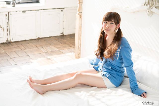 Akari Tsumugi 明里つむぎ