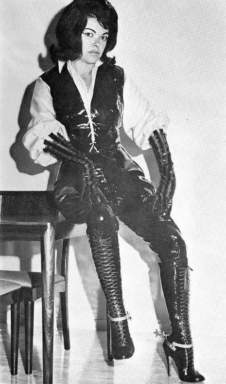 sexy-cruel-vintage-femdom-mistress-photograph-am-465-788-int