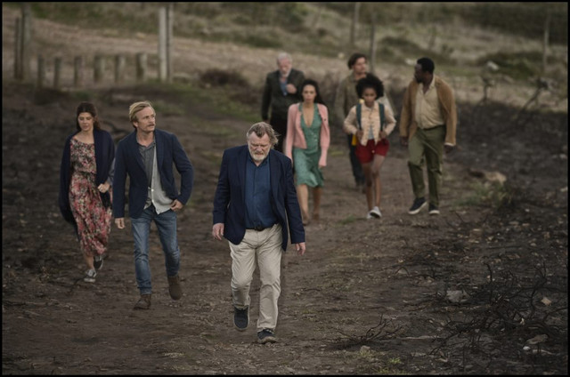 Full-cast-except-Isabelle-walking-to-the-top-01-1024x679